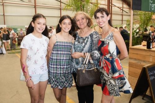 9 Clara Carrocci, Antonia Carrocci, Grace Alvino, Kim Carrocci